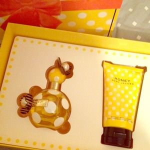 Marc Jacobs honey perfume set 3.4oz