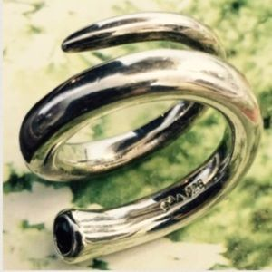 Jewelry - 🎀SILVER RING🎀 (PRICE FIRM)💰