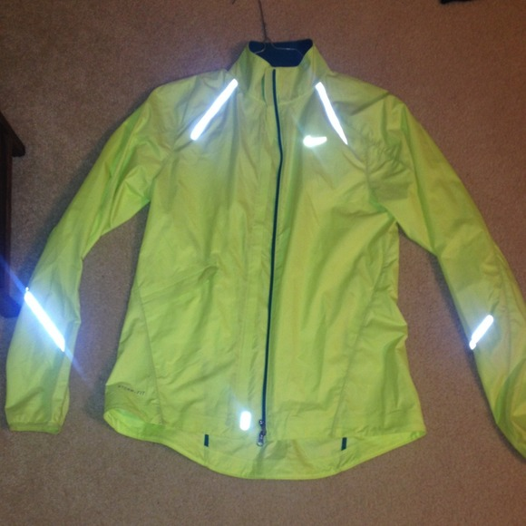 e136010ae8 Neon yellow jacket. M 5461744304a9d1058305d39a