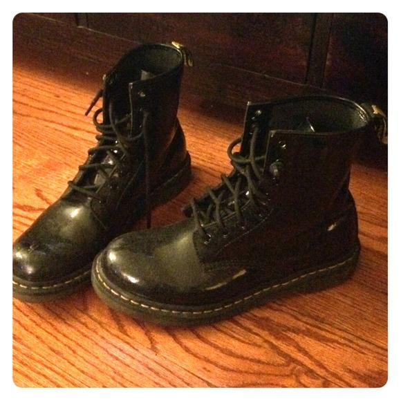 23 dr martens boots doc marten black patent