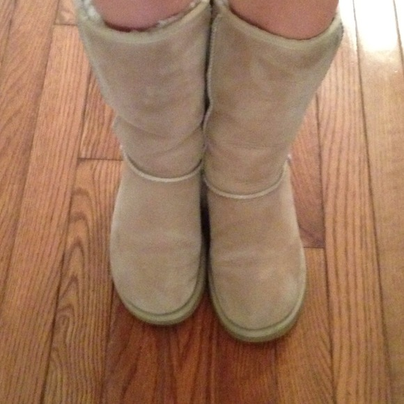 AUTHENTIC tall sand uggs. *price firm*