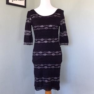 Lovely Day Dresses & Skirts - Holiday Dress!