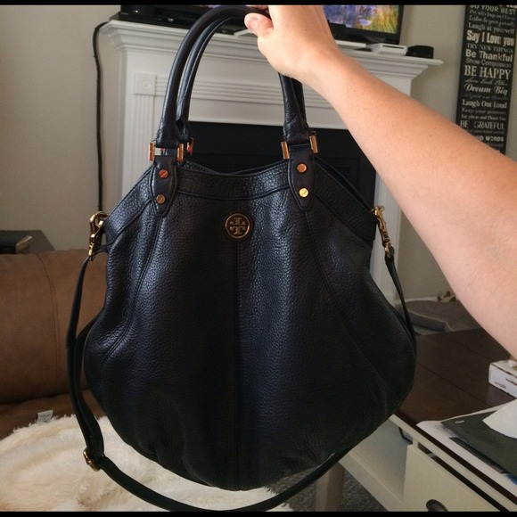 89a26e38732 Tory Burch Dakota Hobo in Black Leather. M 5462524872cb8c2303461643