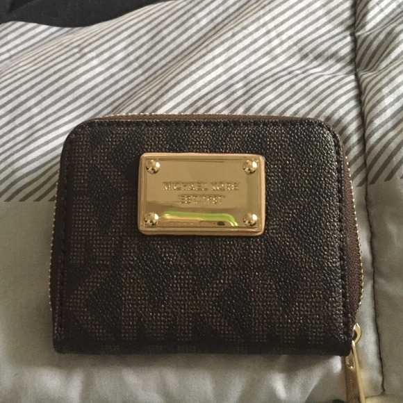 f9008cd79700 M_5462533ea921af57f1447596. Other Bags you may like. Black Authentic Michael  Kors Wallet