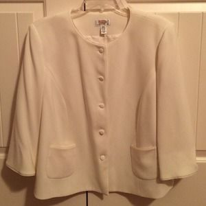 Talbots Jackets & Blazers - Gorgeous cream jacket