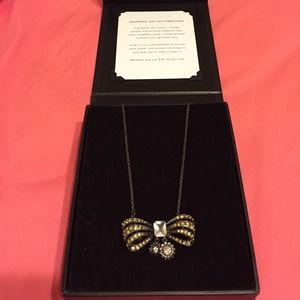 JewelMint Bow Necklace