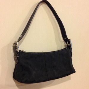 REDUCED!! Auth Coach black signature purse