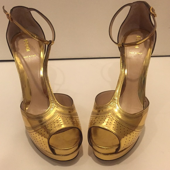 83% off FENDI Shoes - 🎉3HP🎉FENDI Metallic Gold Mary Jane ...