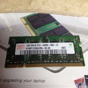 1 GB DDR2 PC2-6400 800 MHz 200 pin memory stick