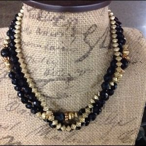 Jewelry - Vintage Black and Gold Beaded Necklace Set