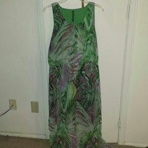 Dresses & Skirts - Maxi dress green