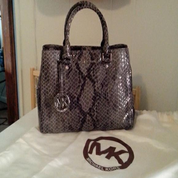 Used Michael Kors Handbags >> 44% off MICHAEL Michael Kors Handbags - Micheal Kors ...