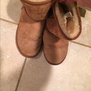 UGG Shoes - Ugg Short Chestnut size 7