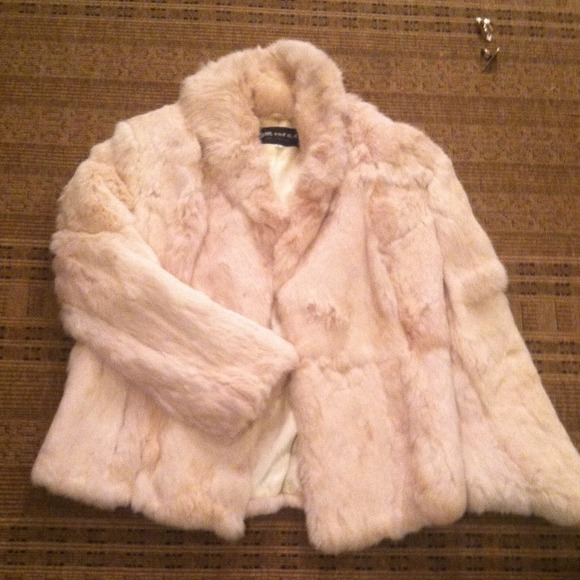 Rabbit fur coat vintage not clear