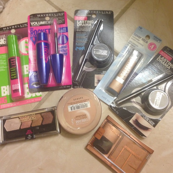 Maybelline Makeup Lot Of Over 50 Worth For Half The Price Poshmark