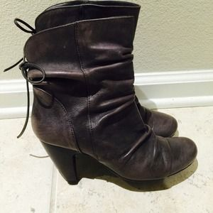Chinese Laundry grey heeled booties