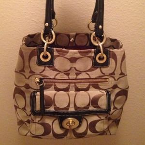 Coach Handbags - AUTHENTIC Coach handbag