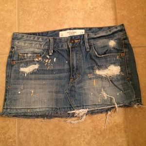 Abercrombie & Fitch Dresses & Skirts - BRAND NEW Abercrombie & fitch denim skirt