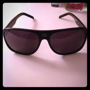 Roxy Accessories - Black Chillin Roxy Sunglasses