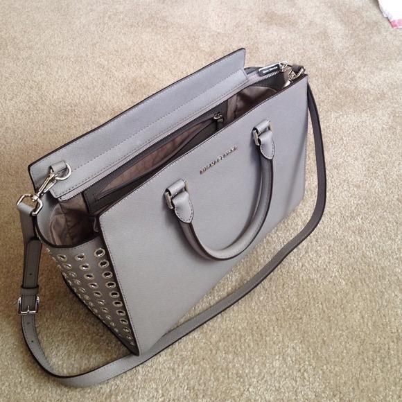 5828055b5ee1 Michael Kors Selma bag in pearl gray price firm. M_54661a8de98955410c13386c