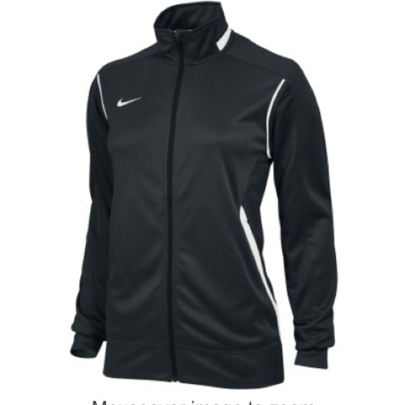 ef8835b4b600 Nike women s zip up jacket