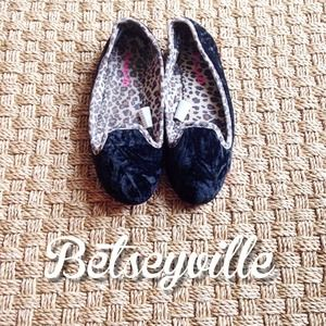 Betsey Johnson Shoes - Betseyville Black Leopard Slippers Small 5/6