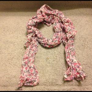 Cute floral scrunchy scarf!