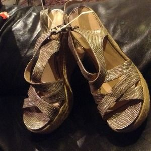 New with tag Via Spiga wedges