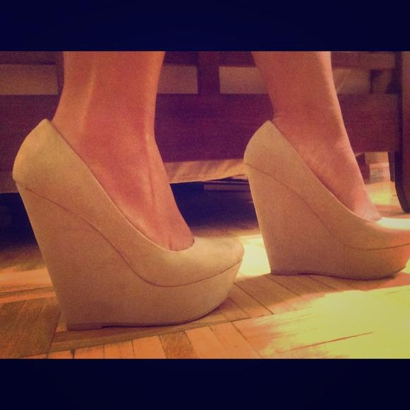 Aldo Shoes | Aldo Nude Suede Wedges