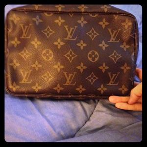 Louis Vuitton Clutches & Wallets - ✨Authentic large Louis Vuitton Makeup Bag✨