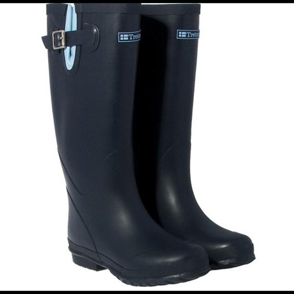 68% off Tretorn Boots - Navy blue Tretorn fleece lined rain boots ...