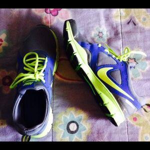 Nike tennis shoes michael kors skinny jeans