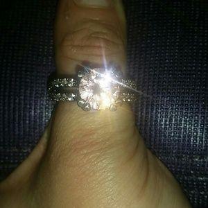 Jewelry - BEAUTIFUL!!!! Black Gold Ring w/ Pink stone