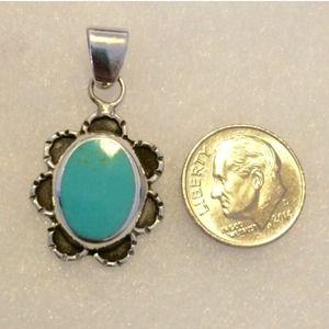 ⌛️SALE⌛️Vintage .925 SS Turquoise Pendant
