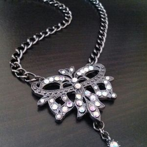 New!  Rhinestone crown Necklace