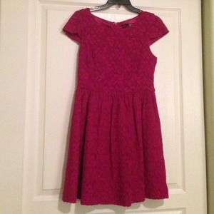Kensie Dresses & Skirts - Kensie cranberry magenta lace and lined dress