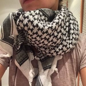 Accessories - Black and white scarf.