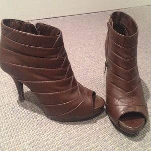 Diba Shoes - Open toed brown heels.
