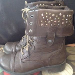 Girls Justice Boots sz 2