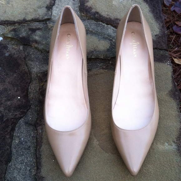 e6aa64f79 Cole Haan Shoes - 👡👡Cole Haan Air Nike Nude Kitten Heels👡