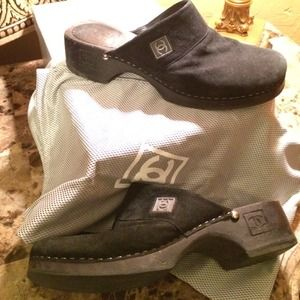 CHANEL black suede clogs 7
