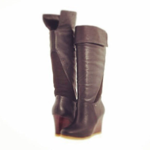 2b3521f1e0d 😍 Black Ugg Ravenna Boots