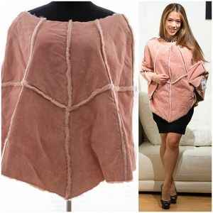 WILSONS LEATHER plush faux fur pink cape w/pockets