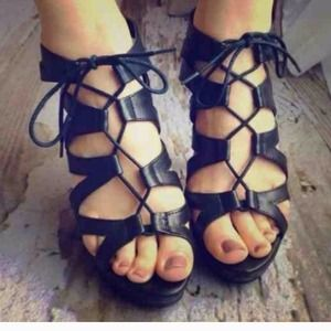 Sale! 🎉Chinese Laundry Lace Up Black Heels