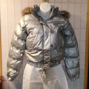 TC Jackets & Blazers - Silver bubble jacket with removable hood *NWT*