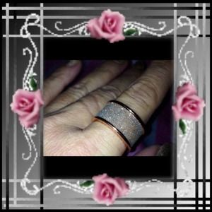 ✨Brand New!!! Pave' & Rose GP Ring  Size 8✨