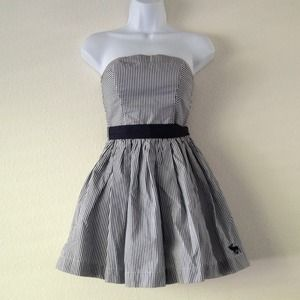 Abercrombie & Fitch Dresses & Skirts - Strapless, striped Abercrombie & Fitch dress