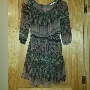 Blue Bird Dresses & Skirts - Beautiful Long Sleeve Printed Dress