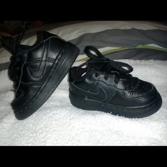 Low Top Black Nike Air Forces Infant 5c