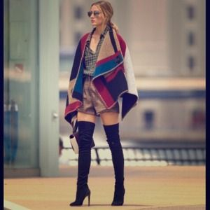 🎉HP🎉Celebrity style wool/cashmere cape shawl